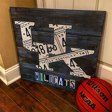 University of Kentucky Wildcats Basketball Logo Sign